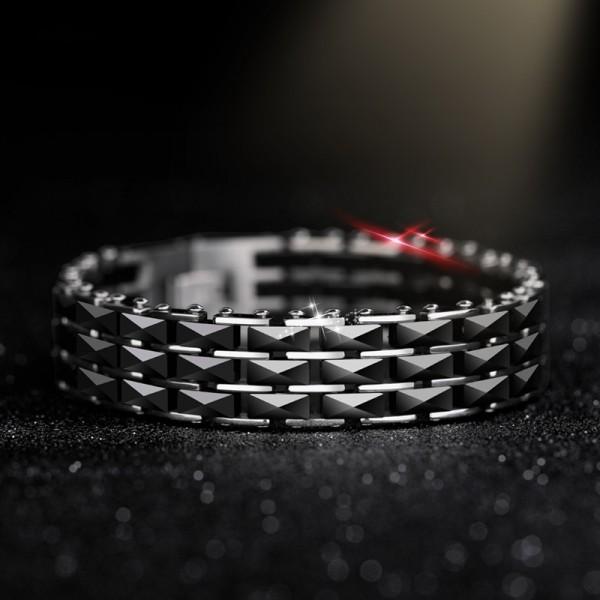 Personalized Black Strap Bracelet For Men In Titanium Ceramic