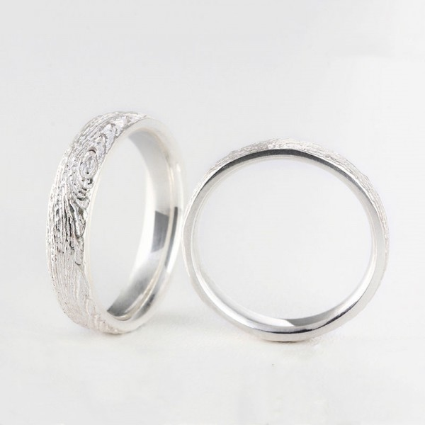 Original Engravable Wood Grain Round Promise Ring For Couples In Sterling Silver