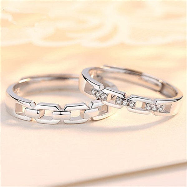Engravable Couple's Knot Promise Ring In 925 Sterling Silver