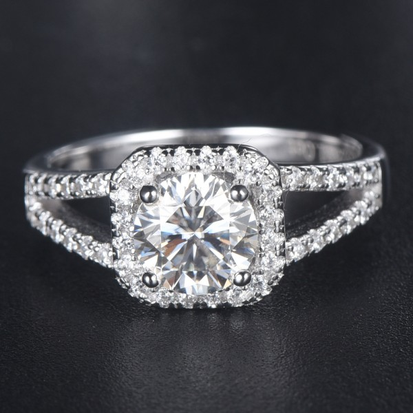Engravable Solitaire with Side Accent Promise Ring For Women In Sterling Silver