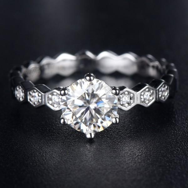 Engravable Honeycomb Moissanite Promise Ring For Women In 925 Sterling Silver