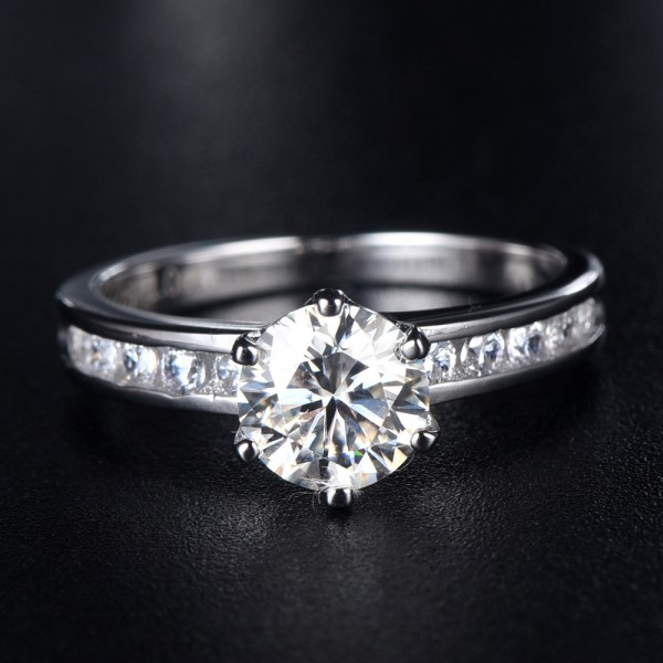 Solitaire with Side Accent Round Cut 1ct Moissanite Promise Ring For Women
