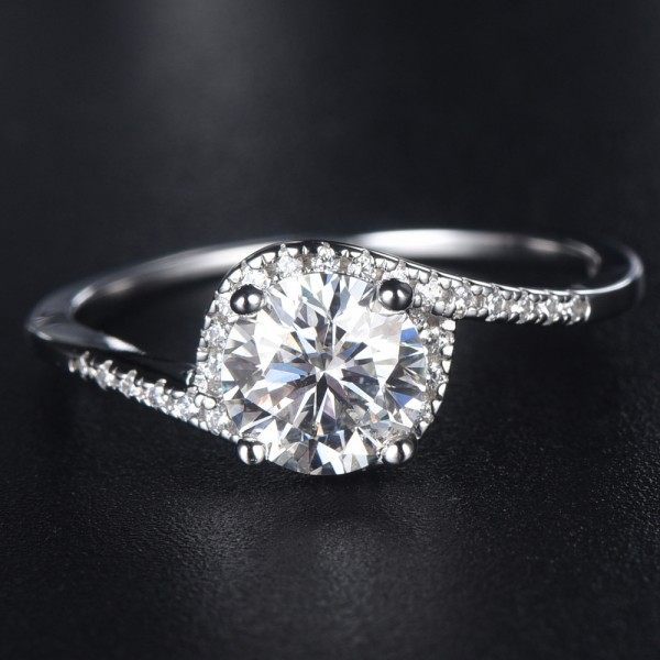 Engravable Twist 1ct Moissanite Promise Ring For Women In Sterling Silver