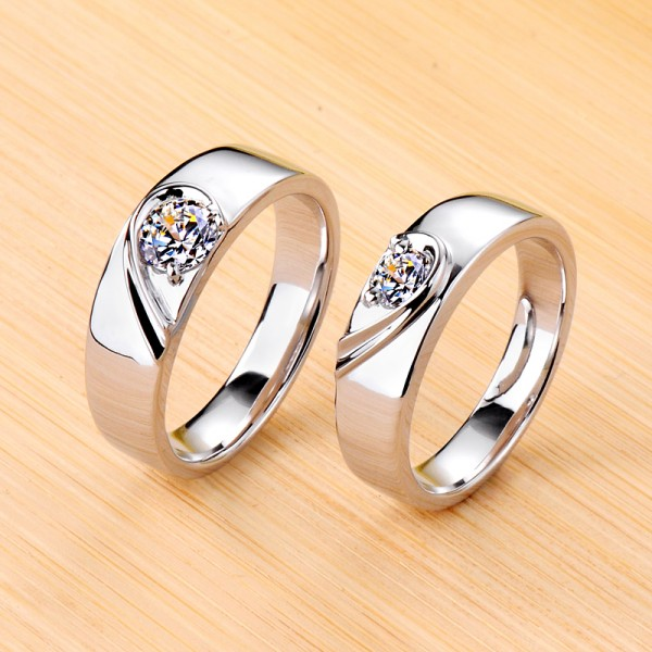 Engravable Matching Heart Moissanite Couple Wedding Rings In Silver