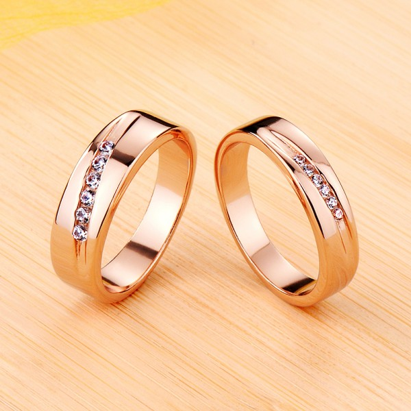 Personalized Rose Moissanite Wedding Bands For Couples In Silver