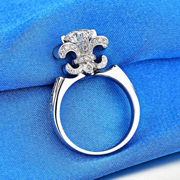 Unique Round Cut 1 Ct Zirconia Flower Promise Ring For Her In Sterling Silver