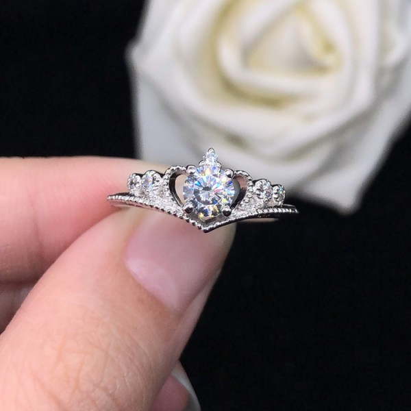 Unique Round Cut 0.5 Ct Cubic Zirconia Crown Promise Ring For Her In Sterling Silver