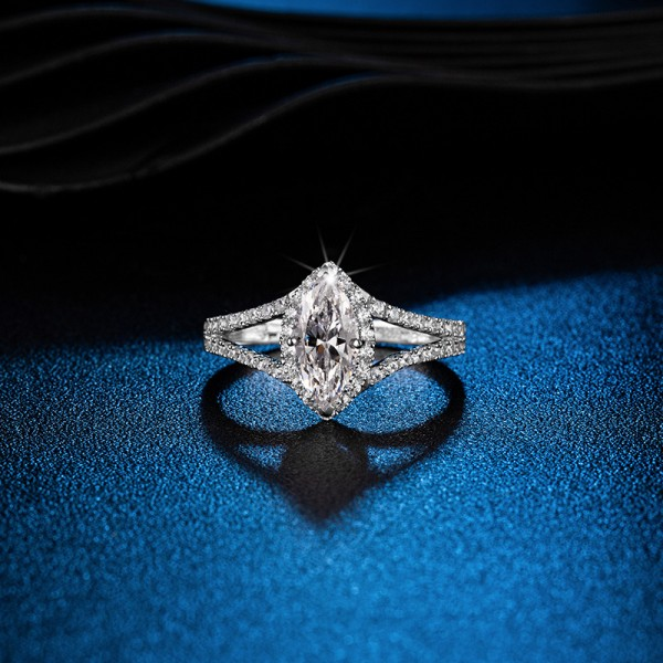 Marquise Cut 1.5 Carat tw Solitaire With Side Accent Tiara Moissanite Rings For Womens