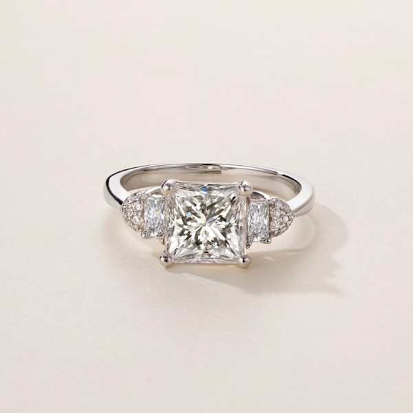 Round Cut 1.6 Carat tw Solitaire With Side Accent Moissanite Rings In 14K Gold