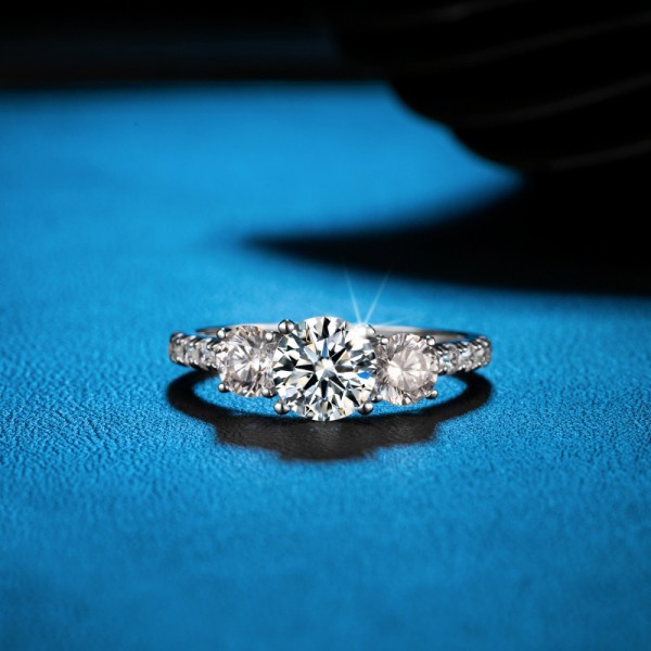 Round Cut 1.5 Carat tw Solitaire With Side Accent Women's Moissanite Rings