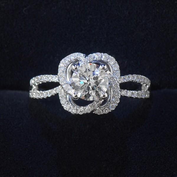 Round Cut 1 Carat Cluster Flower Moissanite Rings For Womens In 18K White Gold