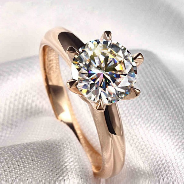 Engravable Round Cut 1 Carat Solitaire Moissanite Rings In 18K Rose Gold