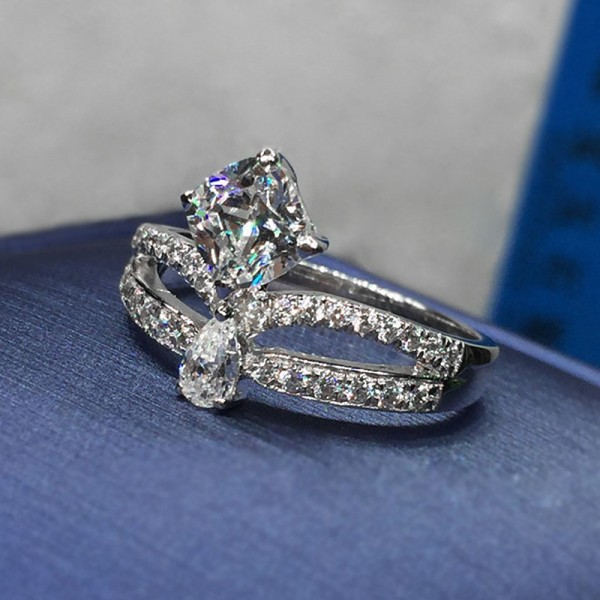 Princess Cut 1 Carat Crown Moissanite Ring For Womens In 18K White Gold