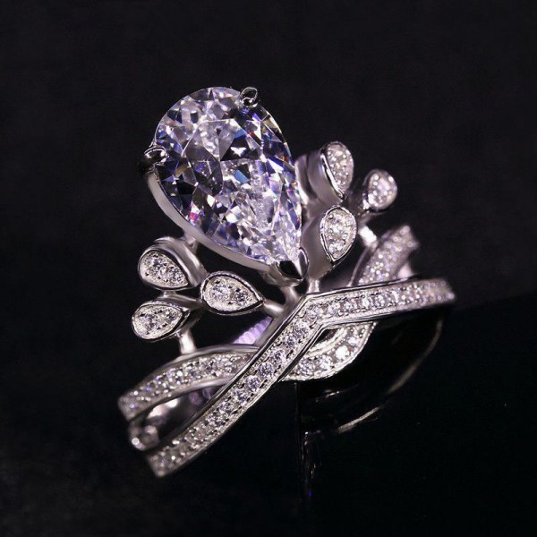 Oval Cut 1 Carat Crown Womens Moissanite Ring In 18K White Gold